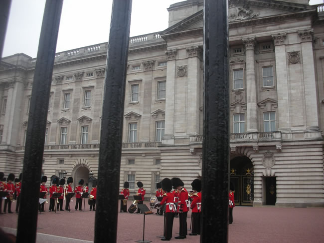 Band preparing to play on the forecourt of Buckingham Palace