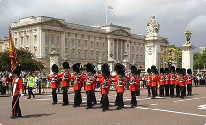 Guards marching from Buckingham Palace